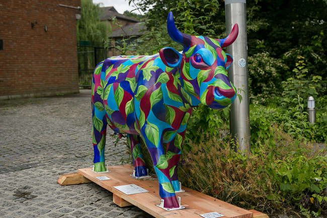 † Leafy Cow - Made up of a collage of intricately painted leaves