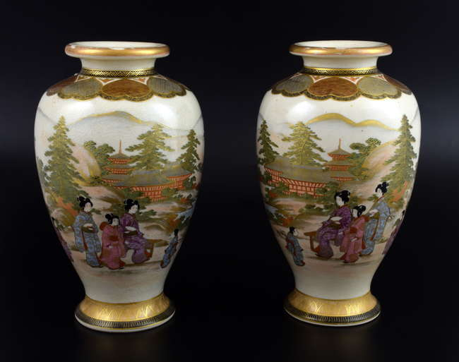 Pair Of Japanese Satsuma Vases Decorated With Figures Lot 1099 10