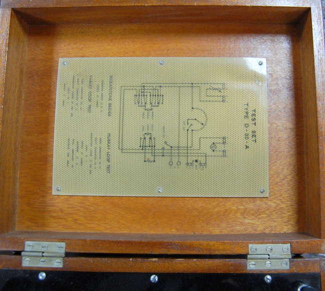 Muirhead radio test set type D-30-A in mahogany case 33cm