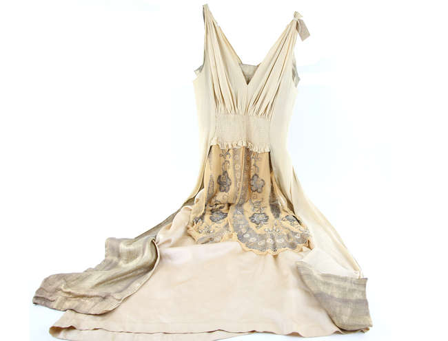 Ewbanks Surrey S Premier Auctioneers Auction 494 Lot 1616 Sort By Lot Number Page Number 11 Keyword A 1920s Sleeveless Cream Satin Evening Dress With Bead And Pearl Applied Silk Panels Two