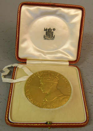 King George VI Coronation gold medal 1937 engraved by P. Metcalf