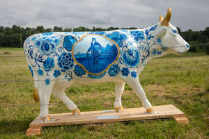 § † Blue Cow Bone China - Inspired by blue and white Delftware Pottery Blue Cow Bone China is a striking design. Created by Judith Elsinghorst-Kratz and sponsored by Field Place Farm proceeds will be going to The Oasis Family Centre