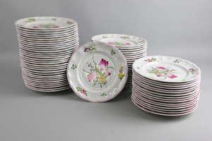 Spode Ptn 2/6770 D Marlborough Sprays, comprehensive dinner and tea service comprising, 44 dinner plates 27cm dia. 63 plates 22cm dia. (8 Luneville plates 22cm) 79 plates 19.5cm dia. (2 Luneville plates 19.5cm) 15 plates 17cm dia.5 shallow bowls 16cm