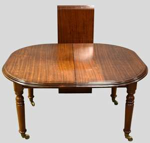 19th century mahogany extending dining table with one leaf, on turned legs, 125cm wide, extended 173cm