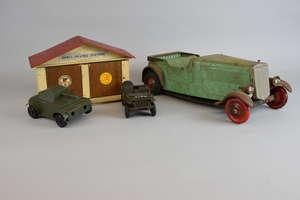 Tri-Ang clockwork car