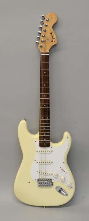 Squier Strat by Fender electric guitar, CY10212227