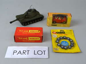 Tri-ang Hornby 8-4-0 clockwork loco R654 (boxed), Corgi Whizzwheels OSI DAF-City car (boxed), Corgi Chipperfield Circus Land Rover and Trailer, Dinky Leopard Tank, Corgi model components and other items. (qty)