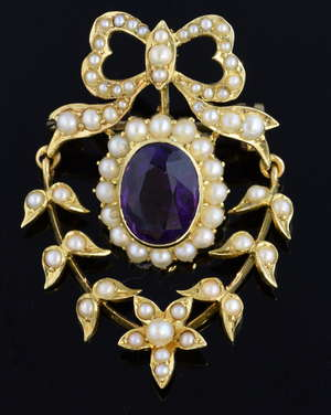 Early 20th Century seed pearl and amethyst brooch