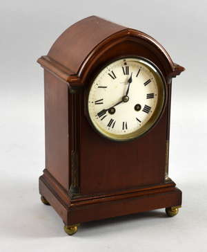 Early 20th century lancet top two train mantel clock, 27cm high