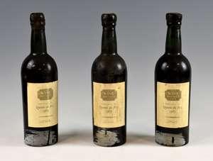 9 bottles of Quinta da Foz red wine, 1963 vintage, with Wine Society label (9)