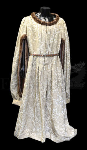 f12434e3fe2b †King Richard The Second (1978) Elaborate large robe with train and belt
