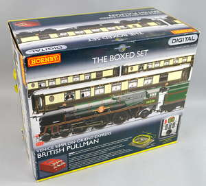 A Hornby 'British Pullman, Venice Simplon - Orient - Express' digital boxed set (R1073).