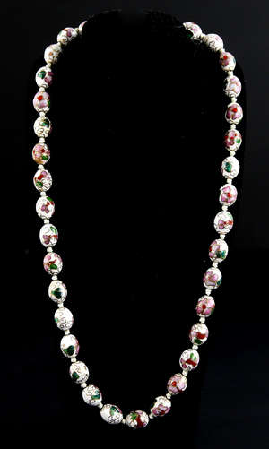 82bc82ded3ed Chinese cloisonne 35-bead necklace decorated with flowers and foliage